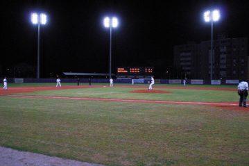 Notturna sul campo da baseball