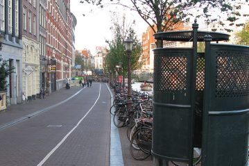 Amsterdam, percorso ciclopedonale in area urbana