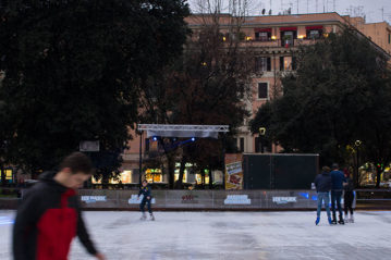 Roma, pista in Piazza Re di Roma