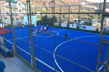 Young athletes on new mini-hockey pitch