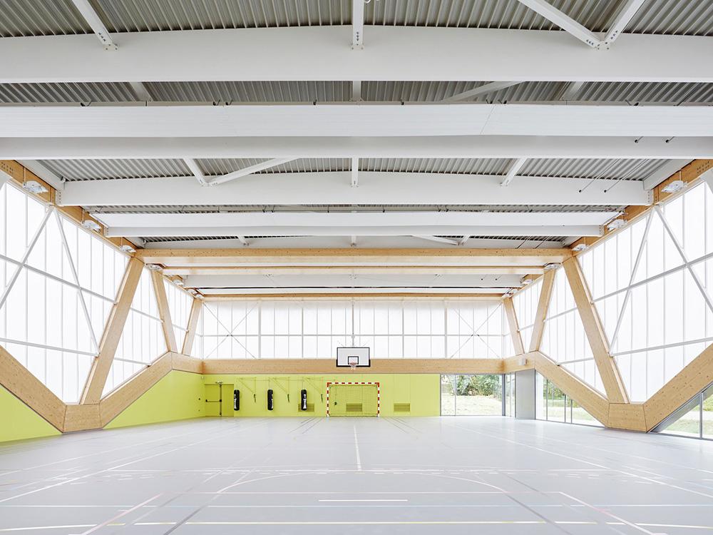 Nathalie Mauclair Gymnasium (ph.  ArchDaily)