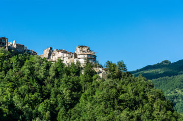 Il centro storico di Arquata dopo il sisma (Shutterstock).