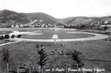 L'Aquila: vecchia cartolina del campo di atletica