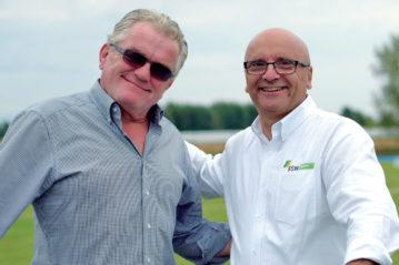 Peter Breuer con il responsabile per l'Italia Roberto Franz.