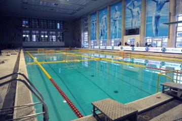 Interno della piscina coperta