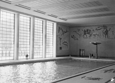 Interno della piscina coperta in una foto del 1937 (Istituto Luce)