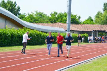 Stefano Baldini, col sindaco e assessore ai lavori pubblici di Varese, in un giro inaugurale della pista di atletica
