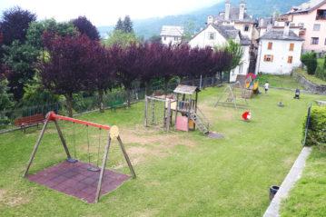 Vecchio parco giochi a Toceno (Verbania), ph. BG