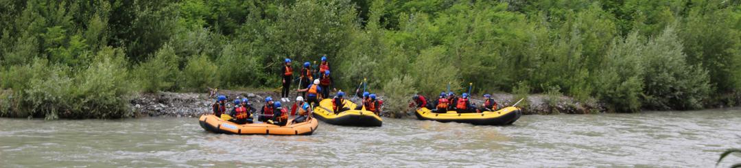 Discesa in acqua per il rafting sull'Adda (ph. Indomita Valtellina River)