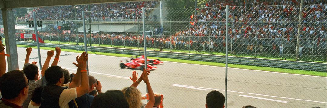Storia: la doppietta Ferrari di Schumacher e Barrichello nel 2002 (foto BG)