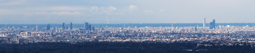 L'attuale profilo di Milano vista dalle coline della Brianza (foto BG-sport&impianti)