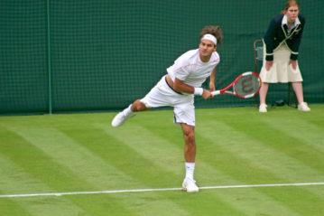 Londra, Rodger Federer a Wimbledon contro Richard Gasquet il 26 giugno 2008 (foto Lucy Clark/Shutterstock)