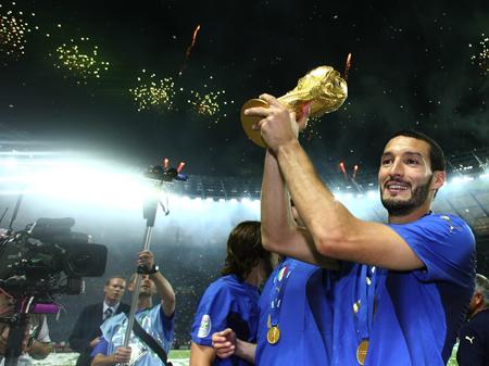 Zambrotta alla finale di Coppa del Mondo 2006 (foto: Pressef)