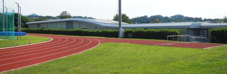 La pista esterna di Varese e l'edificio che racchiude il rettilineo indoor