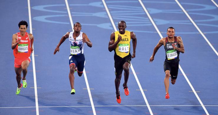 In terza corsia, Usain Bolt durante la semifinale dei cento metri alle Olimpiadi di Rio 2016 (Shutterstock)