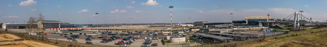 Le infrastrutture intorno al terminal 1 di Malpensa (foto Mario Hagen/Shutterstock).