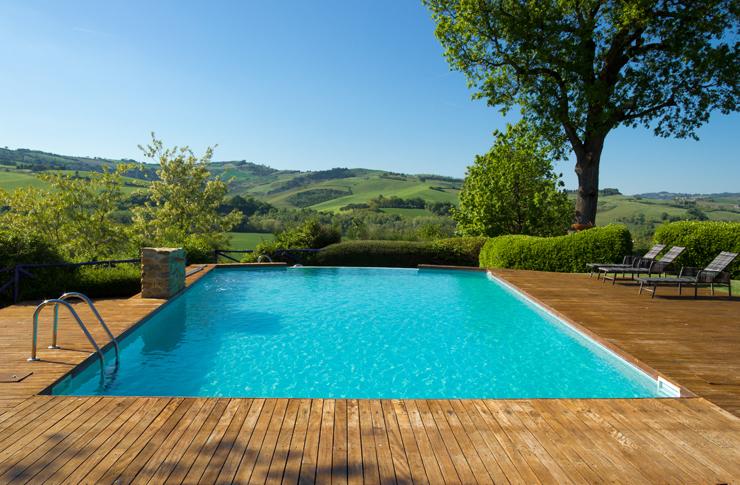 covid-piscine copertina
