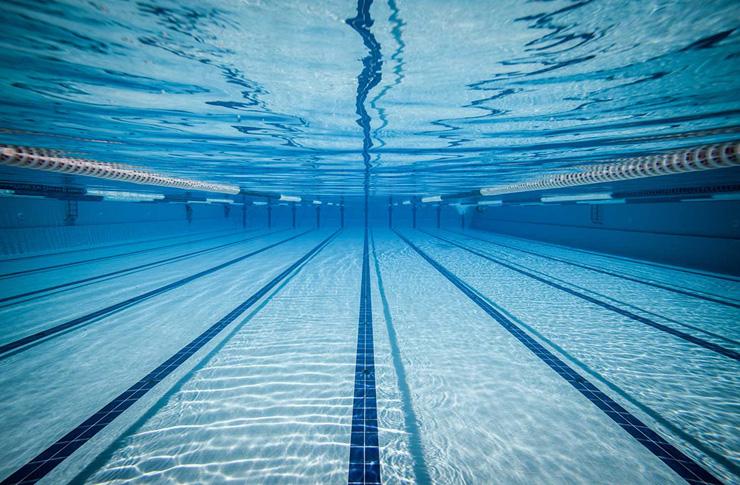 normativa piscine-copertina shutterstock