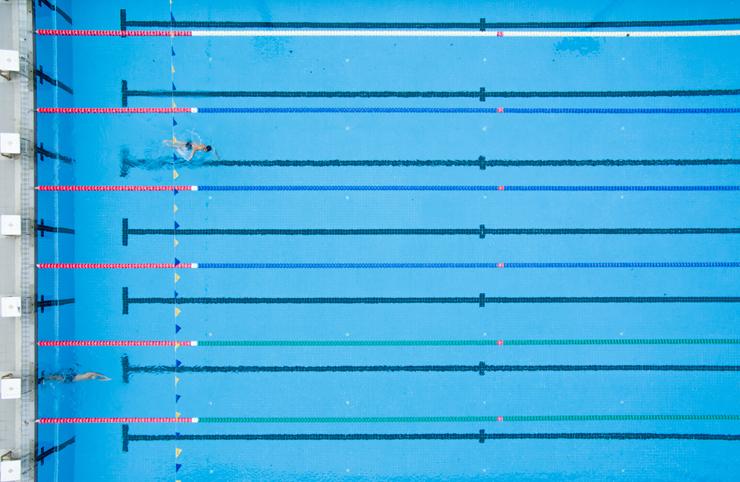 Vasca per nuoto sportivo (Shutterstock)