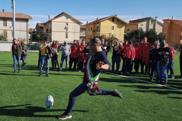 calcio inaugurale da parte del Sindaco di Pesaro Matteo Ricci