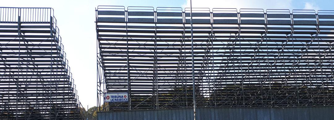 Le tribune della Parabolica di Monza durante le gare dell'ACI Racing Weekend il 18 ottobre scorso (foto BG/Sport&Impianti).